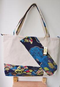 新款手绘青花布艺特色单肩包女包旅游景区拼接包包中国民族棉麻包包里布